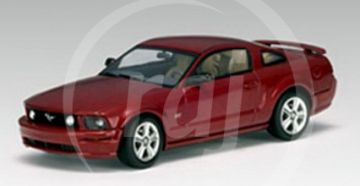 1:43 FORD MUSTANG GT 2005 RED